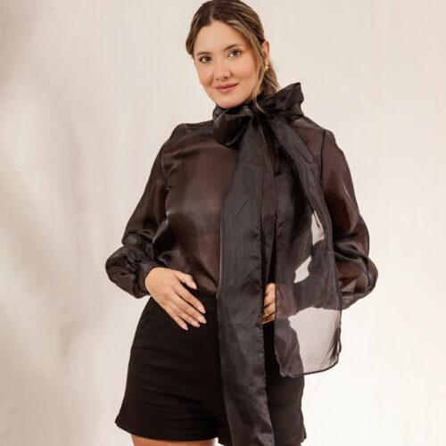 Daniela-Alvarez-Boutique-Ropa-Blusa-negra-con-moño-en-el-cuello-1-1-234