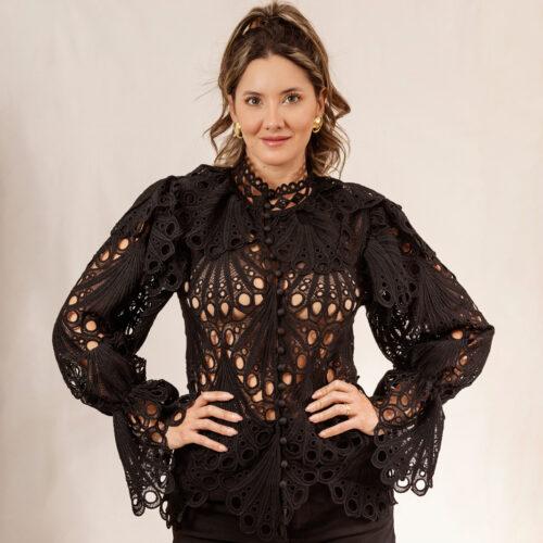 Daniela-Alvarez-Boutique-Ropa-Blusa-negra-ojalillo-1-2-20